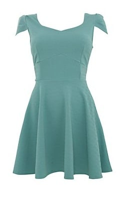 Make them green with envy in one of these beautiful green dresses from Simply Dresses. Find the perfect green halter top homecoming dress, short green cocktail dress with beadwork and jewel accents, or a long formal green evening gown or bridesmaid dresses in shades of jade, olive, mint.