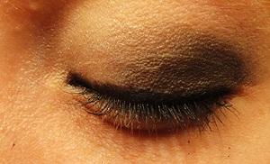 Black - Smoky Eye