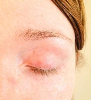 Eyelash Tinting Before