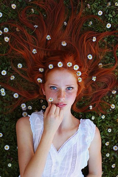 Maja-Topcagic-Freckles-Redheads-daisies