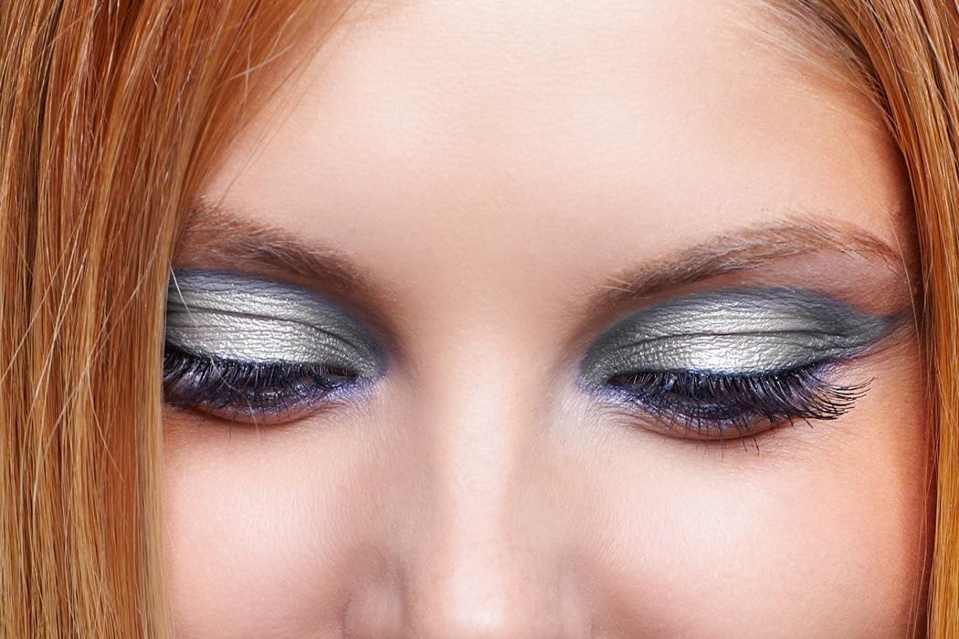 Beauty Metallic Silver Smoky Eye Make Up For Redheads